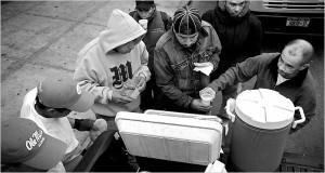 Jorge Munoz feeding people